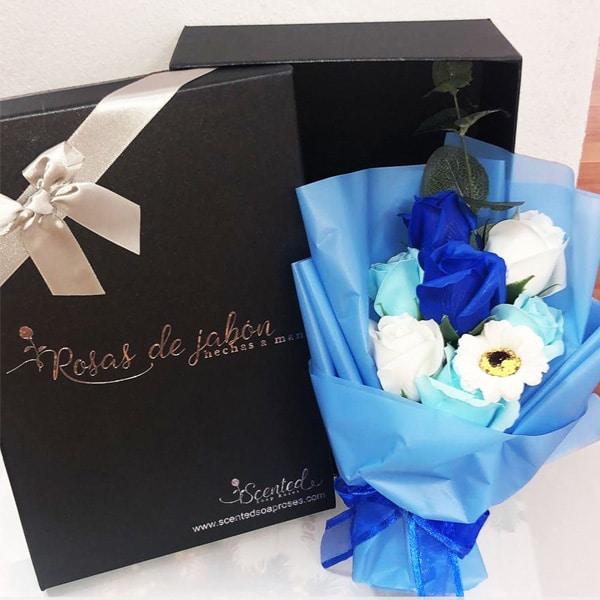 Ramo Rosas Azules Jabon